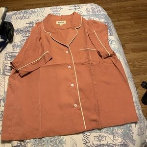 Brand new never worn adorable top!